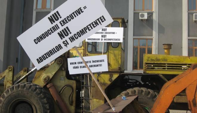 Foto: Patronatul portuar răspunde acuzaţiilor CNAPMC