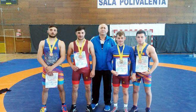 Foto: Patru medalii pentru CS Farul,  la Naţionalele  de lupte U23