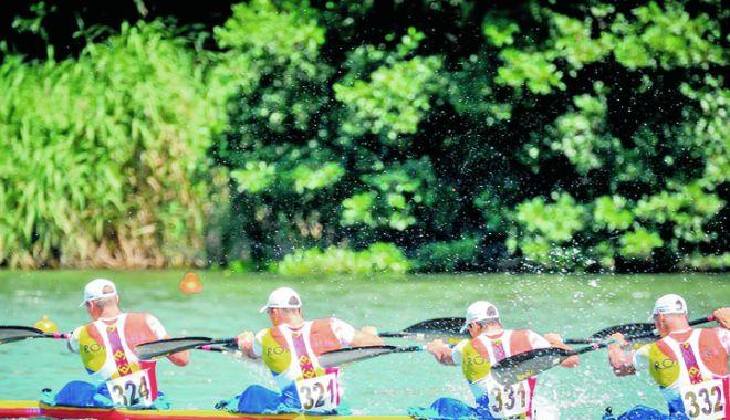 Foto: Patru echipaje româneşti, în semifinalele Campionatelor Mondiale de kaiac-canoe