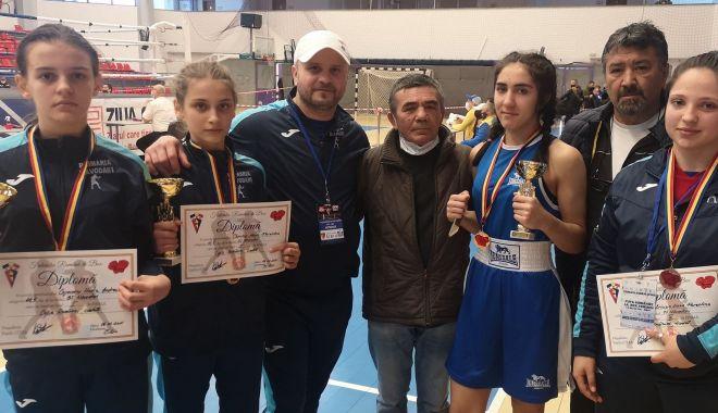 Patru medalii de aur pentru pugilistele de la CS Năvodari, la Cupa României - patru-1615315308.jpg