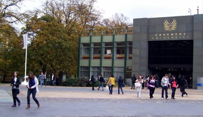 Foto: Patru universităţi britanice recrutează studenţi români