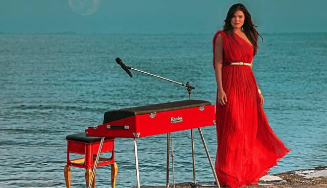 Foto: Paula Seling concertează pe scena Harlequin
