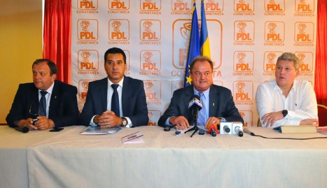 """Foto: """"Unificarea dreptei se poate face doar în jurul PDL"""""""