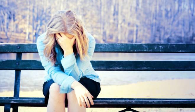 Foto: Pe marginea prăpastiei.  Cum pot fi ajutaţi sinucigaşii