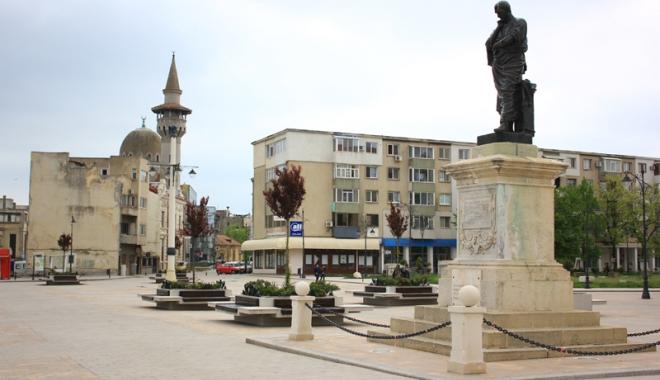 Foto: Constanţa şi renaşterea Centrului Vechi. Mai poate fi salvată istoria oraşului?