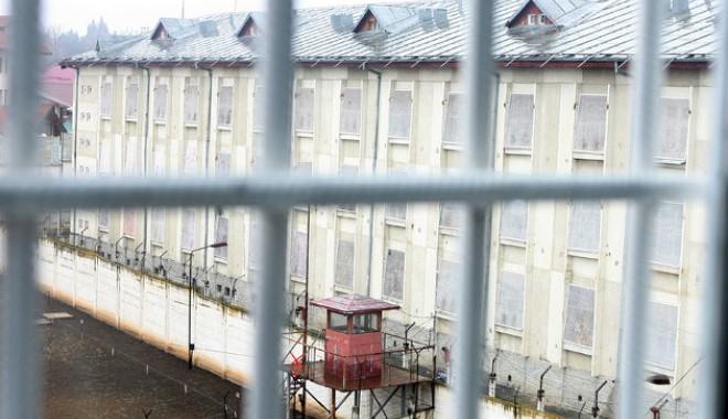 """Foto: Protecţia personalului din închisori, o glumă sinistră? """"Cerem demiterea conducerii Penitenciarului Poarta Albă"""""""