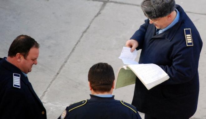 Foto: Mărirea salariilor pentru angajaţii din penitenciare se lasă aşteptată