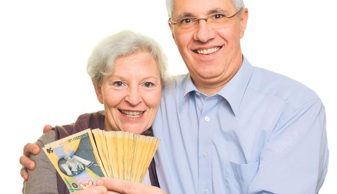 Foto: Ultima strigare! Constănţenii dau năvală să-şi cumpere vechime pentru pensie