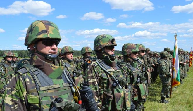 Foto: Militari, poliţişti, pregătiţi-vă urgent dosarele de pensionare! Guvernul va tăia pensiile speciale