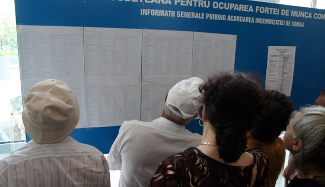Foto: Pensionari mulţi, salariaţi puţini, la Constanţa