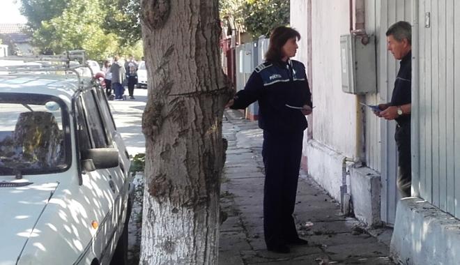 """Foto: Pensionari preveniţi să nu cadă  în plasa înşelăciunii """"Accidentul"""""""