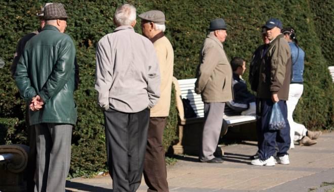 Foto: Pensiile vor fi primite în avans, înainte de sărbători