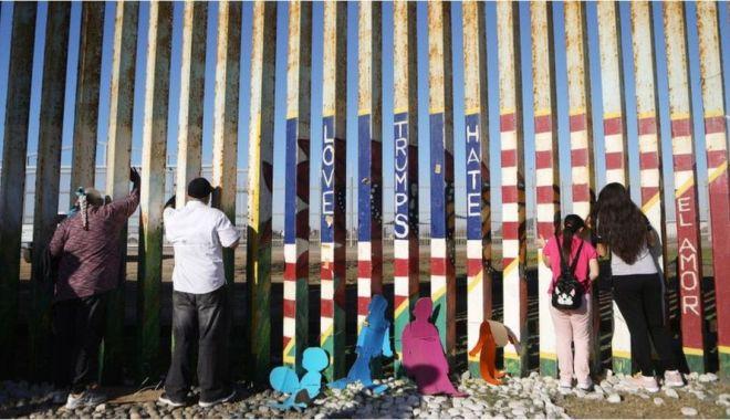 Foto: Pentagonul deblochează un miliard de dolari pentru zidul lui Trump