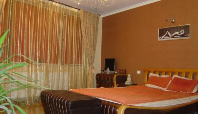 Cum arată și cât costă apartamentele de lux din Constanța - penthousefalezanord3-1326814289.jpg