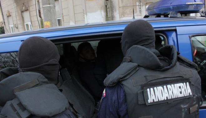 Foto: Sunt vizaţi evazioniştii care au prejudiciat statul cu trei milioane de euro