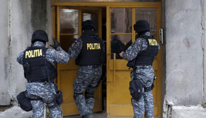 Foto: Perchezi�ii �n Constan�a,  la persoane b�nuite de evaziune �i sp�lare de bani