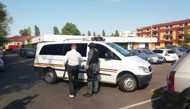 Foto: Perchezi�ii la Hotelul Riviera din Mamaia, �ntr-un dosar de evaziune �i sp�lare de bani