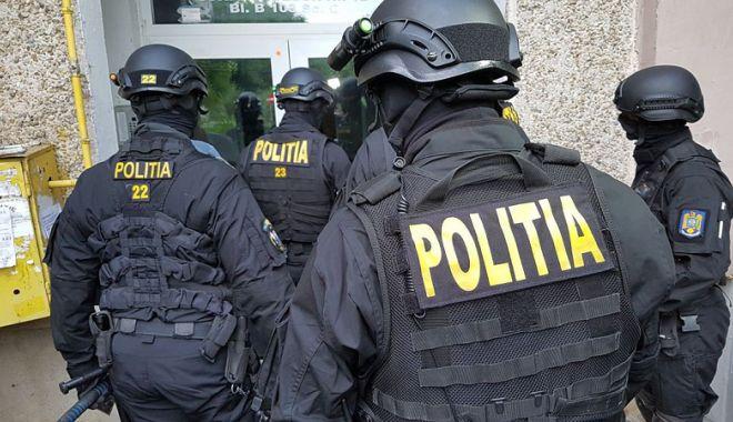 Foto: Percheziții în județul Constanța. Doi bărbați  au fost reținuți