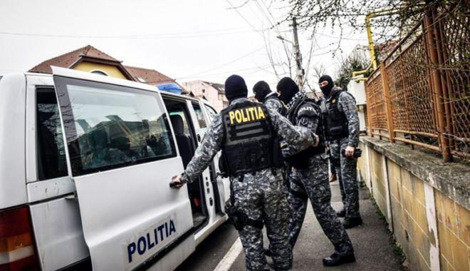 Percheziţii la Constanţa.  Poliţişti cercetaţi pentru luare de mită - perchezitii-1521135950.jpg