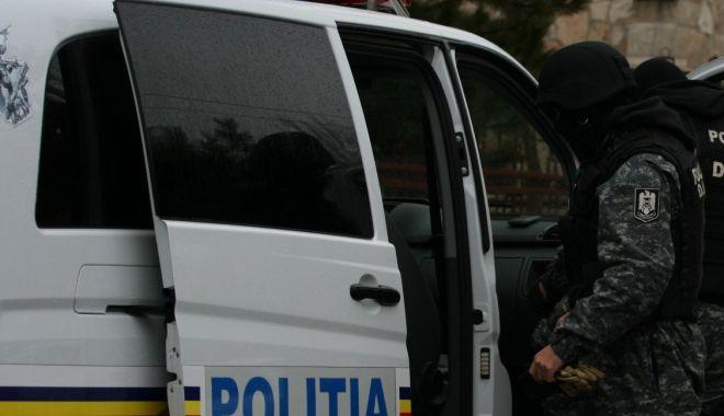 Foto: PERCHEZIŢII la Constanţa! Şase persoane, cercetate pentru evaziune fiscală, spălare de bani şi înşelăciune