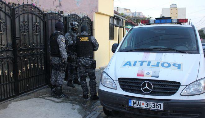 Foto: Percheziții pentru recuperarea unor electrocasnice de 12.000 de euro, furate