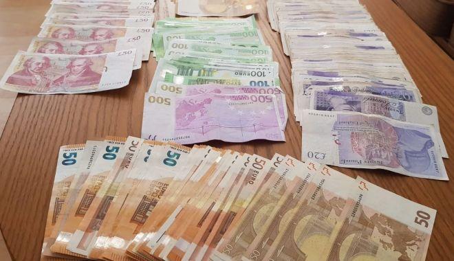 PERCHEZIȚII în Constanța. Valută confiscată de la contrabandiști - perchezitiisursaipjconstanta2-1587625528.jpg