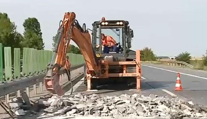 Probleme GRAVE pe Autostrada Soarelui. Se desprind plăcile de beton! - pericol-1528904217.jpg