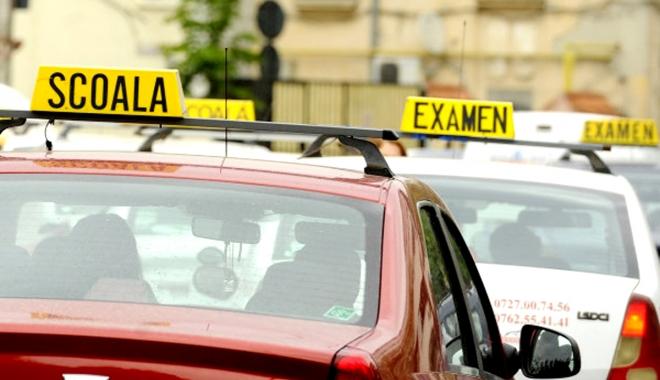 Foto: S-A VOTAT! Deputaţii au respins introducerea poligonului şi a traseului de noapte la examenul pentru permisul auto