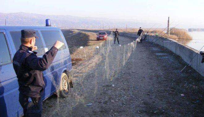Foto: Peste 80 kilograme de peşte, transportate fără documente legale, confiscate de poliţiştii de frontieră constănțeni