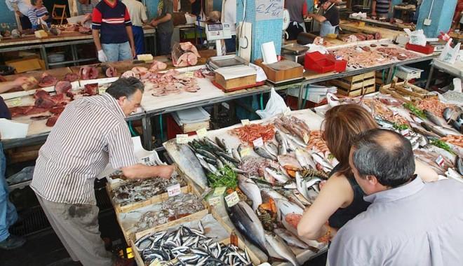 Foto: Nicio masă fără peşte, însă nu tot ce înoată  se mănâncă