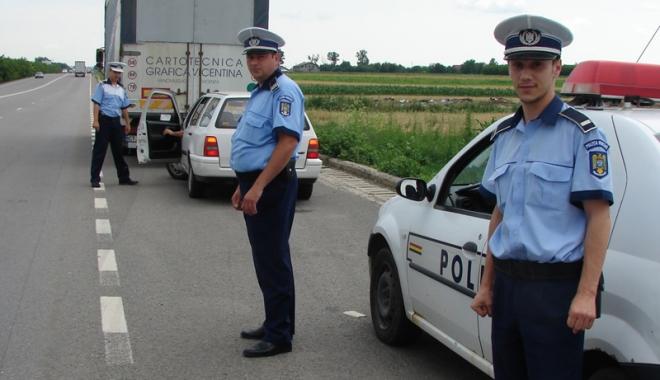 Foto: Peste o sută de şoferi constănţeni, verificaţi în trafic cu aparate antidrog