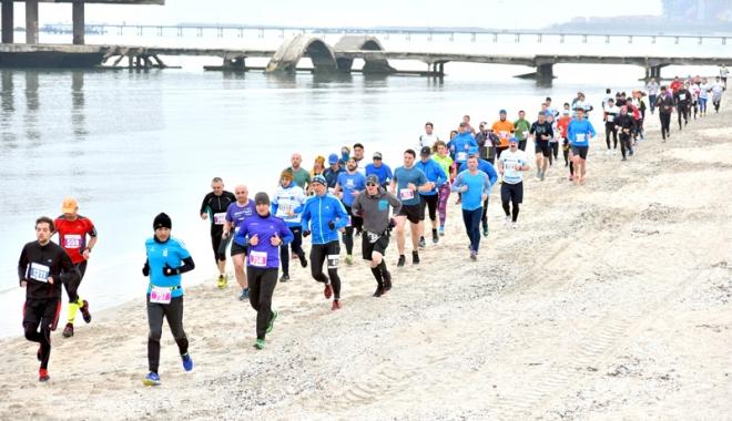 Foto: Peste 1.000 de constănţeni participă la Crosul Mării Negre