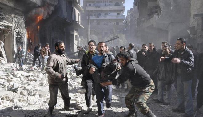 Foto: Peste 1.000 de persoane au fost evacuate din Alep