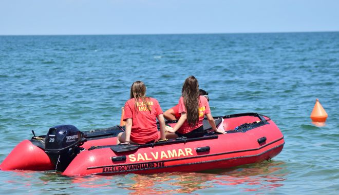 Foto: Peste 120 de salvamari, pe plajele din Mamaia şi Constanţa