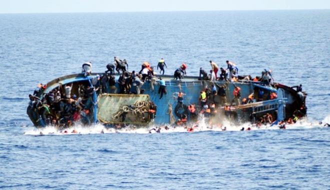 Foto: Peste 250 de migranţi au fost salvaţi în largul coastelor spaniole