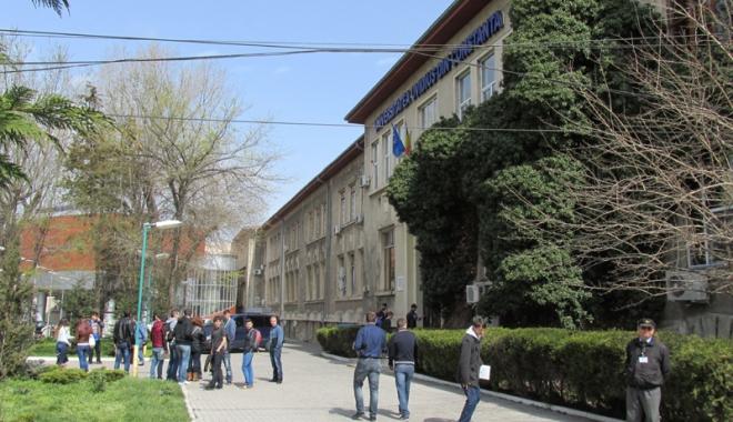 Foto: Peste 400 de universitari, la Conferinţa Asociaţiei Europene de Studii Americane