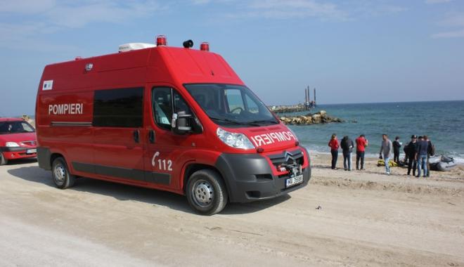 Foto: Peste o sută de pompieri vor fi prezenţi în  week-end, pe plaja Modern