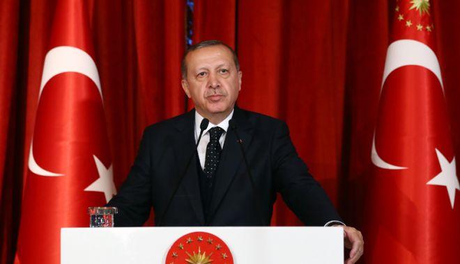Foto: Peste un milion de turci își arată nemulțumirea față de Erdogan pe rețelele de socializare