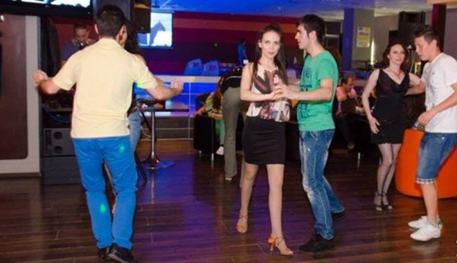 Foto: Distracție pe ritmuri latino, mâine, la Inside Bowling Center