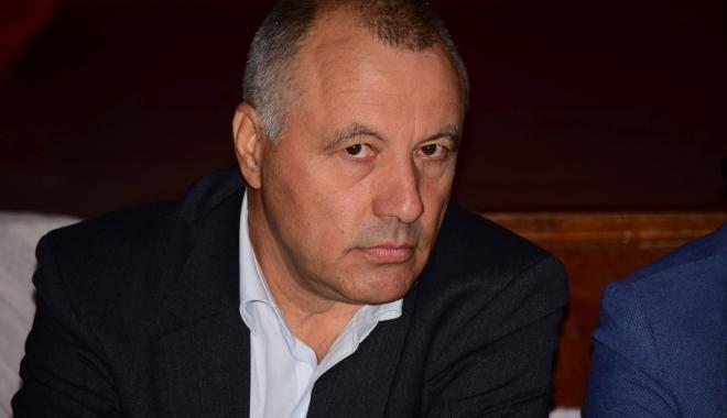 """Foto: Fostul director de la """"Madgearu"""" ameninţă cu justiţia. Atac la adresa lui Miu! """"Este vorba despre sforării interne"""""""