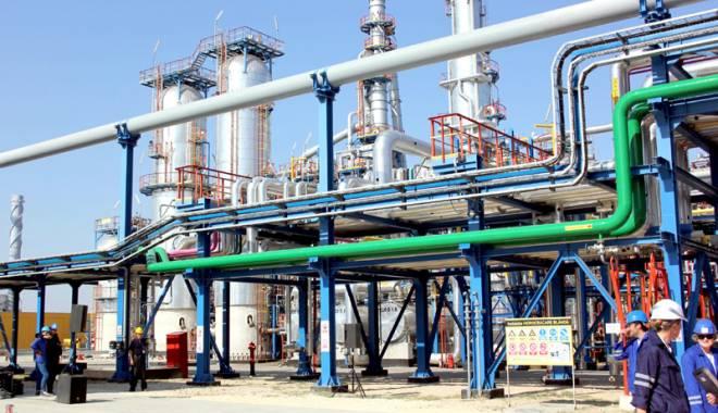 Rafinăria Petromidia a intrat în revizie generală. Costurile se ridică la 77 milioane USD - petromidia-1444572053.jpg