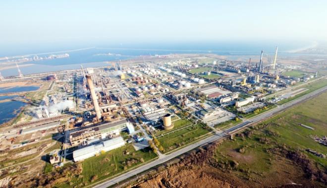 Foto: Rompetrol Rafinare, cifră de afaceri în creştere. Petromidia a procesat 1,2 milioane tone materie primă