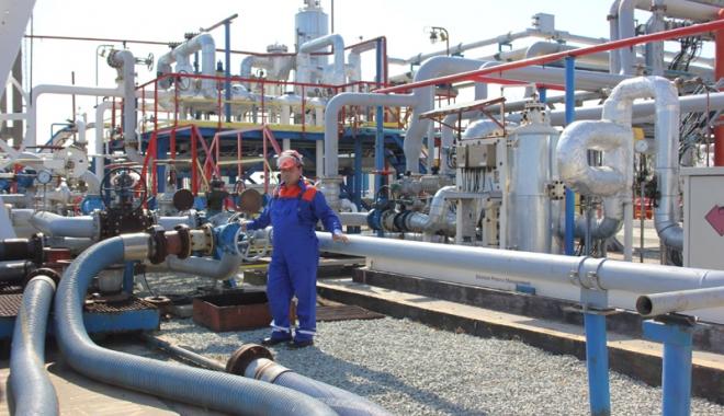 Foto: Rafinăria Petromidia Năvodari intră în revizie tehnică pentru 20 de zile