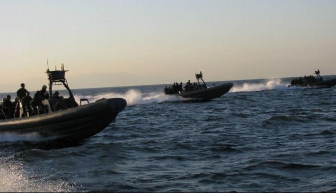 TRAGEDIE PE MARE! Morţi şi peste 100 dispăruţi într-un naufragiu. Corpurile erau înghesuite într-o barcă dezumflată