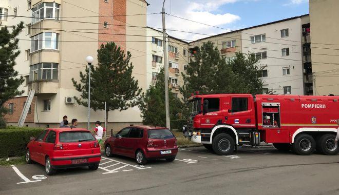 Foto: GALERIE FOTO / Incendiu în Medgidia. Intervin mai multe echipaje de pompieri