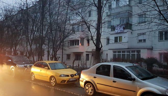 GALERIE FOTO / Incendiu la Constanţa. Arde un apartament de pe Aleea Topolog - photo20190214175249-1550161324.jpg