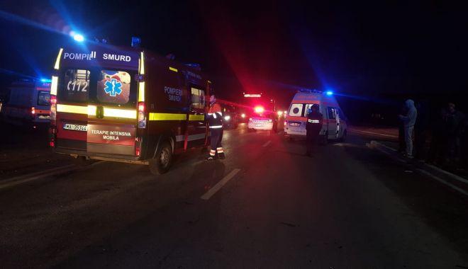 GALERIE FOTO / Accident rutier grav în localitatea Lumina. TREI VICTIME