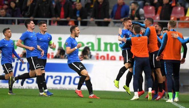 Foto: Fotbal / Viitorul câștigă pe Arena Națională cu FCSB.  FCSB - Viitorul 1-2