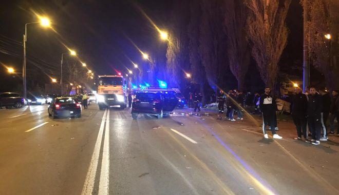 GALERIE FOTO / Accident rutier grav în stațiunea Mamaia. Trei mașini avariate și 4 victime - photo201904122301471-1555138864.jpg