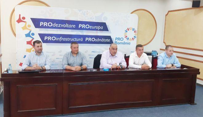 Foto: Pro România și-a prezentat candidații la primăriile Cernavodă, Topraisar și Amzacea